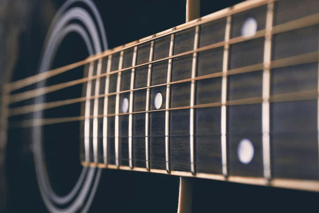 Gitarrenteile Griffbrett Fret Polieren Sand Papier Büffel Knochen Sattel