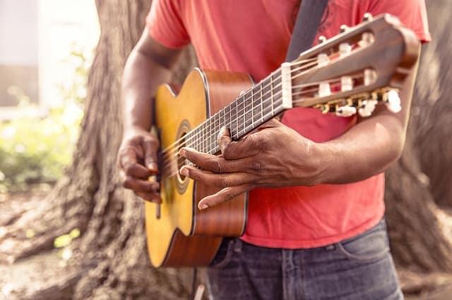 Konzertgitarre mit Nylonsaiten