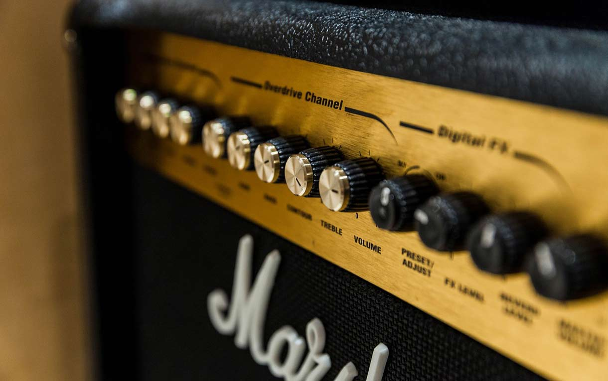 welcher gitarrenverst rker so findest du deinen amp. Black Bedroom Furniture Sets. Home Design Ideas